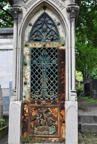 Graveyards of Germany and the World